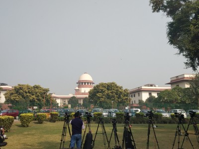 SC slaps Rs 25,000 penalty on contemnor for repeated applications