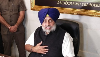 Sukhbir protests exclusion of Punjabi from J&K official languages