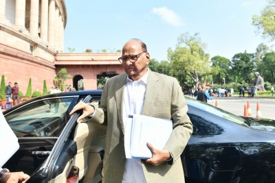 They love some people: Sharad Pawar on I-T notices (Ld)