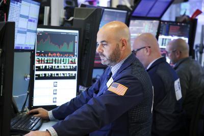 US stocks drop amid tech struggle