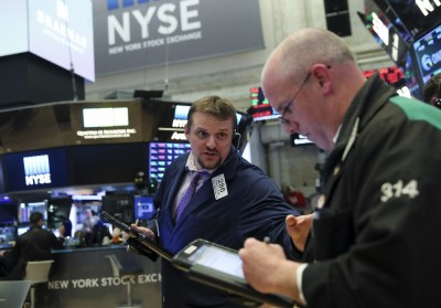 US stocks tumble as tech rout continues