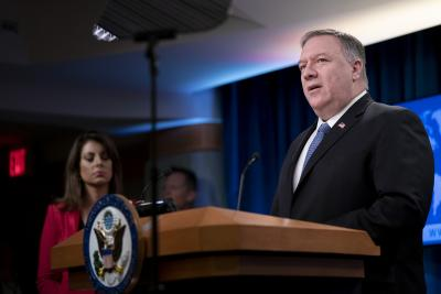 US threatens sanctions over arms trade with Iran
