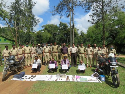 Venison hunting K'taka gang decamps with tiger claws, canines