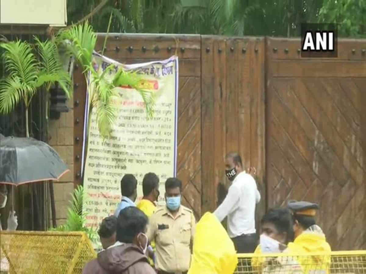 Security around Amitabh Bachchan's residence stepped up, after Jaya Bachchan's RS statements