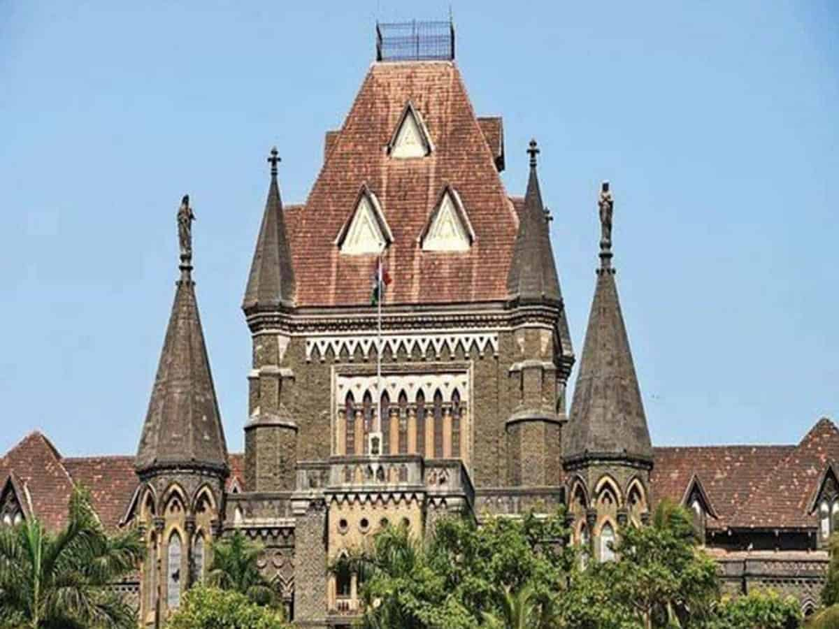 Bombay HC declares holiday today; Rhea, Showik's bail plea to be taken up tomorrow