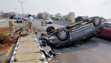 Photo of 4 injured at PVNR Expressway as speeding car turtles