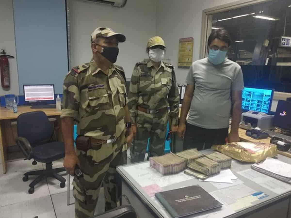 CISF detects cash worth Rs 35 lakh from passenger at Delhi's metro station, hands over to Income Tax officials