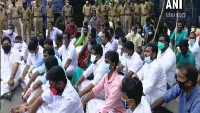 Photo of Congress demands CM Pinarayi's resignation over gold smuggling case