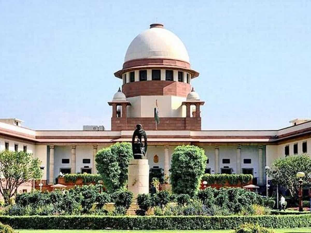 Andhra govt moves SC against HC order on scrapping English medium in schools; notice issued