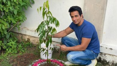 Photo of Sonu Sood participates in Green India Challenge, plants sapling in Ramoji Film City