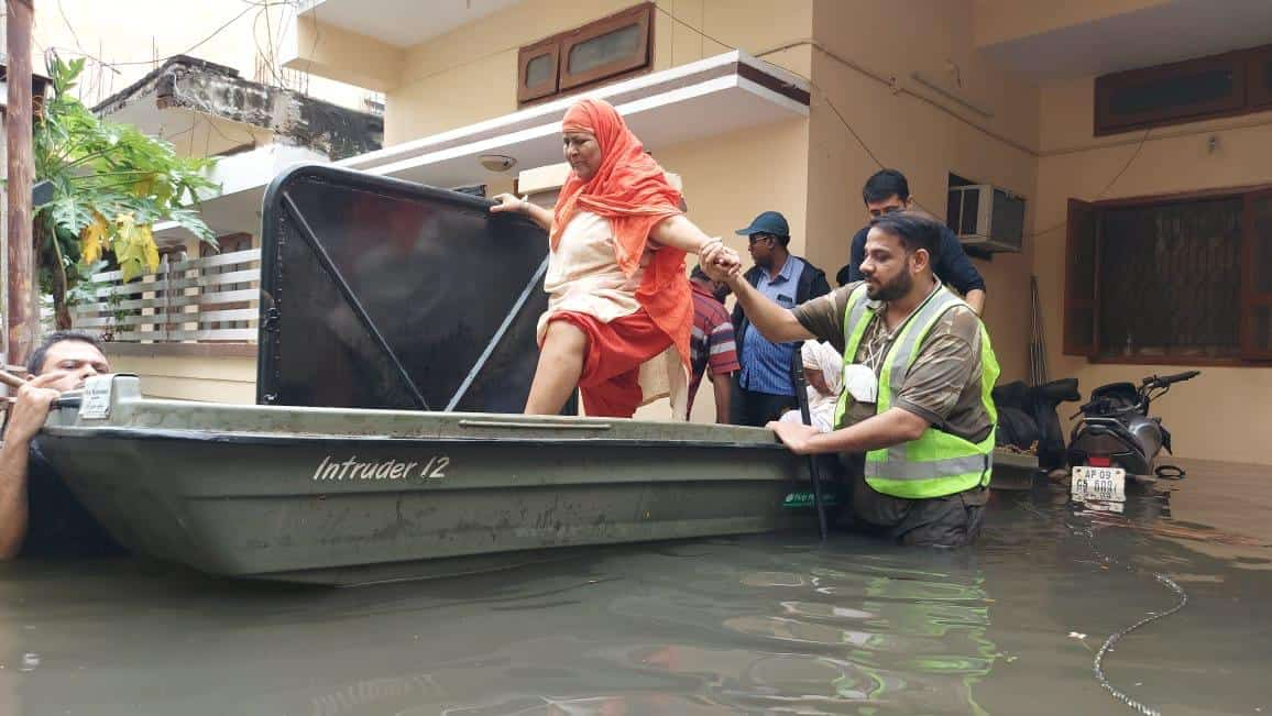Army and NGOs joins rescue ops flood-hit Hyderabad