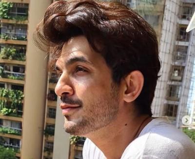 Arjun Bijlani quarantines himself after his wife tests Covid-19 positive