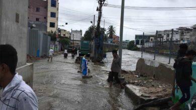 Photo of Balapur lake bund collapsed,water entered into residential areas