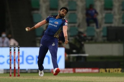 Bumrah bags 3 wkts as MI restrict RCB to 164/6