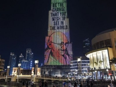 Burj Khalifa to display Mahatma Gandhi's image