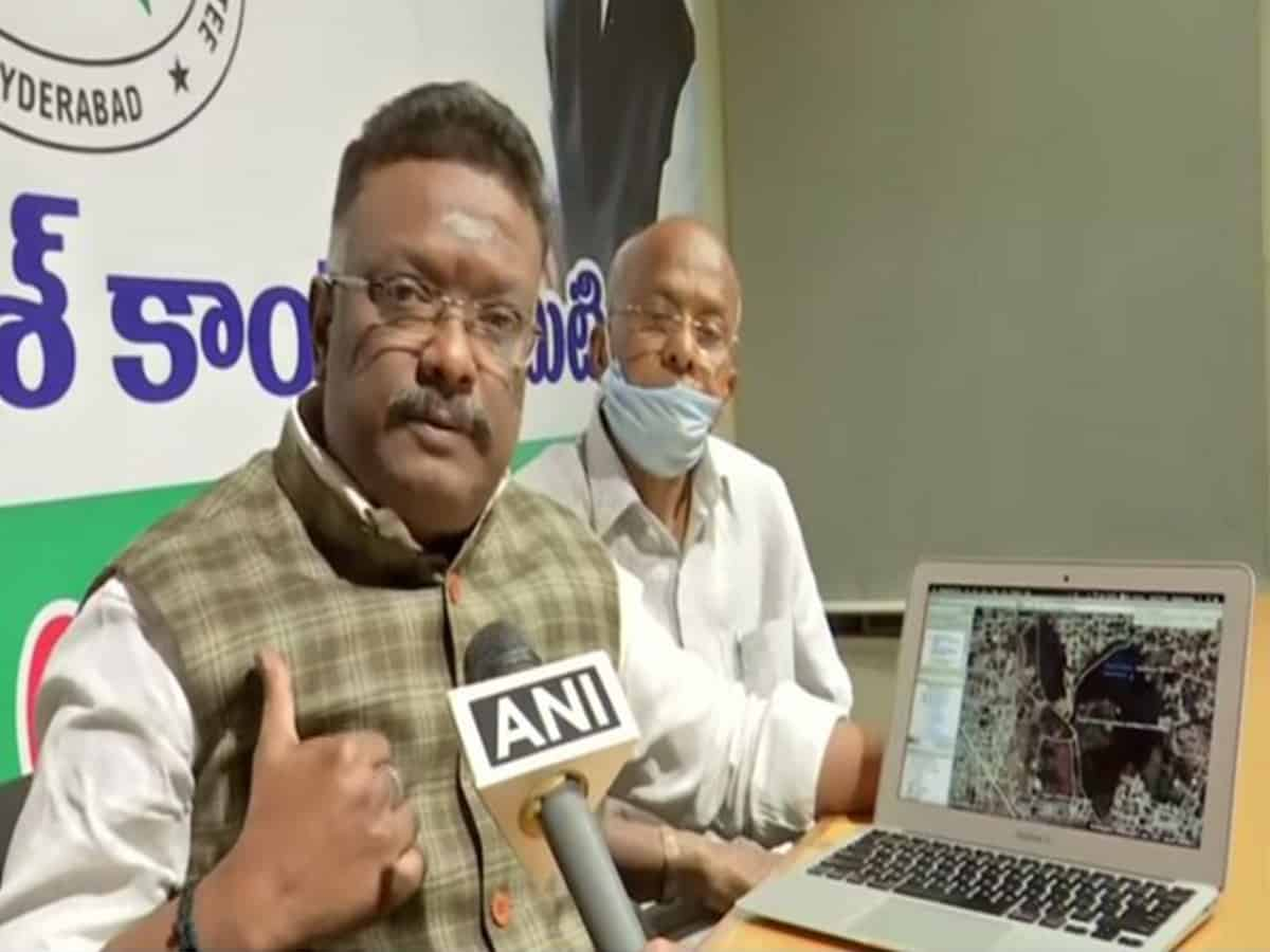 Congress blames TRS govt for floods in Hyderabad