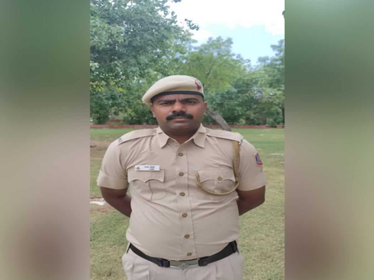 Delhi cop comes to rescue of children who can't afford online classes