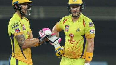 Photo of Watson, Plessis put CSK back on winning track, win by 10-wickets