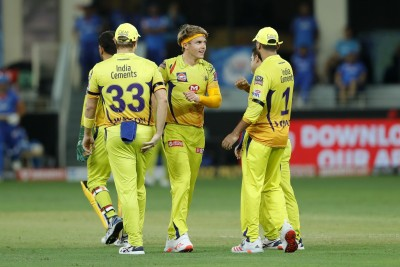 Chennai win toss, choose to bat against Delhi