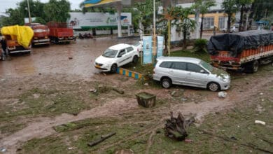 Photo of Hyderabad Rains: 'Smart City' turns into 'dark city' sans power