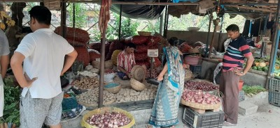 Government imposes stock limit on onion to moderate prices
