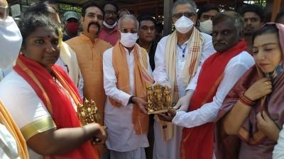 'Grand Bell' for Ram Mandir arrives in Ayodhya from Rameswaram