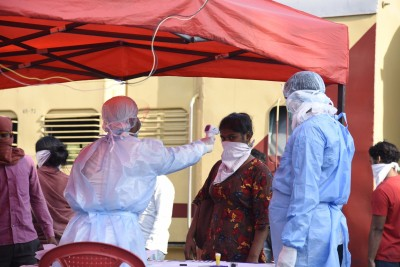 Gujarat records 969 new Covid cases, six deaths