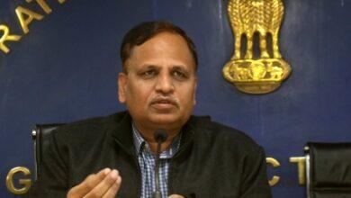 Photo of Handover MCD-run hospitals if unable to pay staff: Delhi govt
