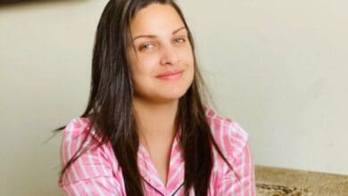 Photo of Himanshi Khurana who tested COVID positive shares health update