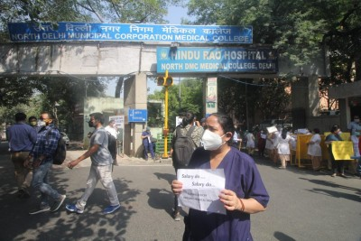 Hindu Rao Hospital docs begin hunger strike over unpaid salaries