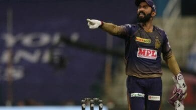 Photo of IPL 13: Karthik hands over KKR captaincy to Morgan