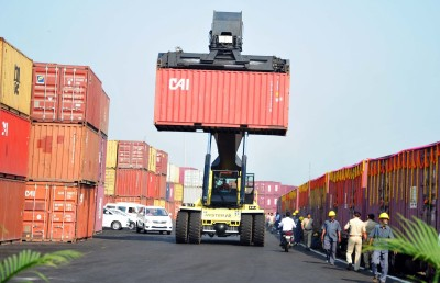 India's merchandise exports rise by 6% in September (Roundup)
