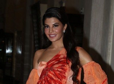 Jacqueline gifts car to staff member on Dussehra