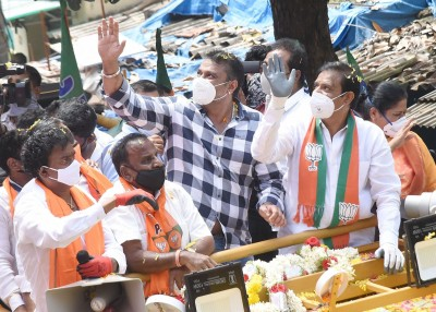 Kannada movie star Darshan campaigns for friend, draws huge crowds