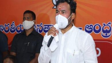 Photo of Kishan Reddy, V Hanumantha Rao participate in 'Ravan Dahan' in Hyderabad