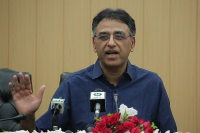 Marriage halls, restaurants becoming Covid-19 hubs: Pak Minister