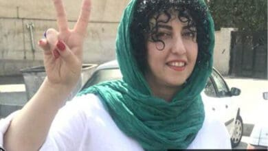Photo of Iran frees rights activist after more than 8 years in prison