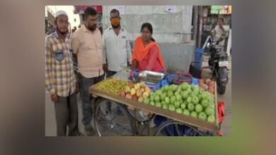 Photo of Differently-abled woman, after begging for two years, sets up fruit trolley