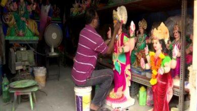 Photo of Maharashtra idol makers struggle as sales plummet