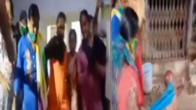 Photo of Women beat up fake Baba for sexually abusing girl for 3 months