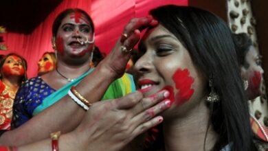 Photo of No 'Dhunuchi naach', no 'Sindur-khela' for Sonagachi sex workers this year
