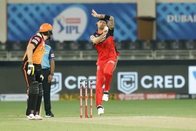 No cricket before IPL hurting Steyn's variations, says Fanie de Villiers