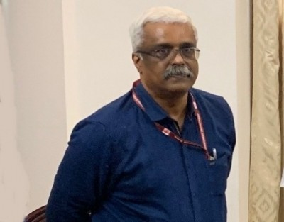 Now, Sivasankar shifted to state-run hospital for 'back problem' (Ld)
