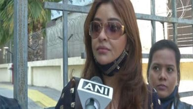 Photo of Payal meets NCW, discusses speeding up investigations against Anurag
