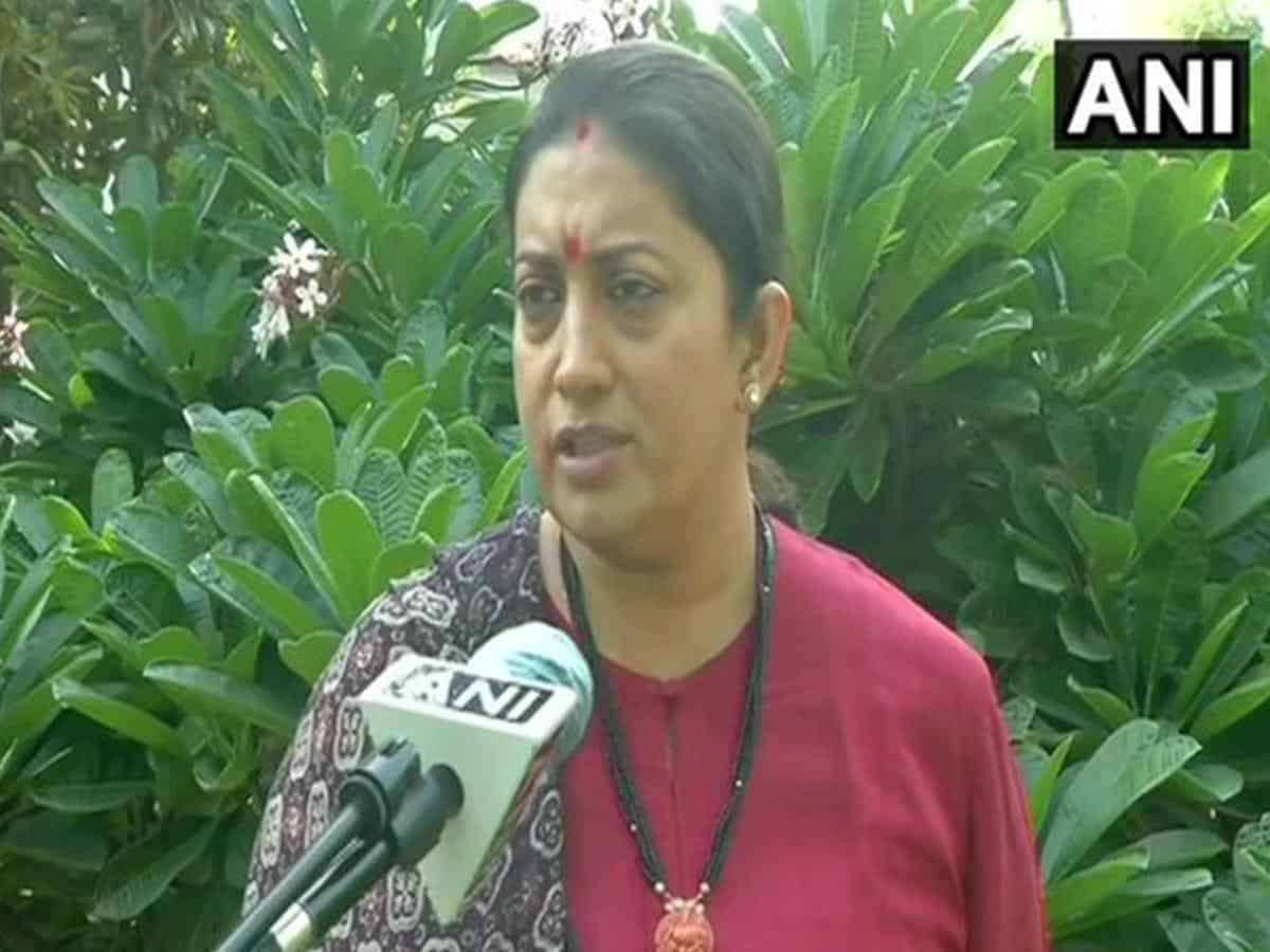 The Gandhis will not take any action against Kamal Nath: Smriti Irani
