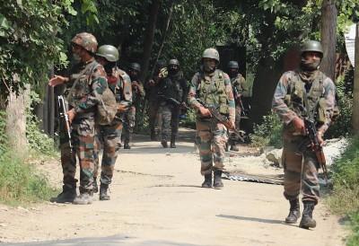 Police officer shot dead by terrorists in Kashmir