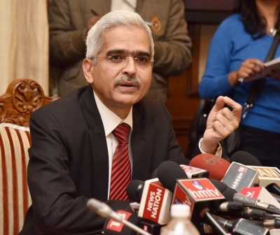 RBI Guv tests positive of COVID-19, to work from isolation
