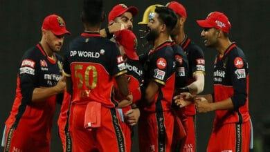 Photo of IPL 2020: Siraj, Chahal dismantle KKR, restrict them for 84/8
