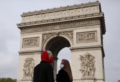 Rallies in France to support beheaded teacher