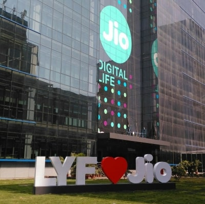 Reliance Jio's Q2 net profit logs near 3-fold jump (Ld)
